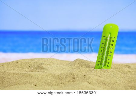 Summer Sandy Beach - Temrerature