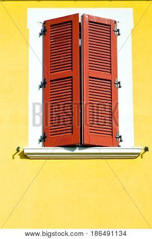 Red Window  Varano Borghi   Italy