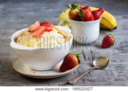 Milk Rice Porridge With Strawberry