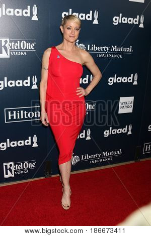 LOS ANGELES - APR 1:  Teri Polo at the 28th Annual GLAAD Media Awards at Beverly Hilton Hotel on April 1, 2017 in Beverly Hills, CA