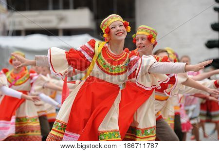 Orel Russia - May 9 2017: Victory Day selebration. Pretty girls in Russian dress dancing in a row