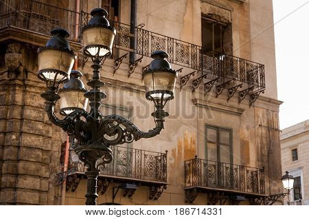 Palermo, Italy - October 14, 2009: Quattro Canti, Officially Known As Piazza Vigliena, Is A Baroque