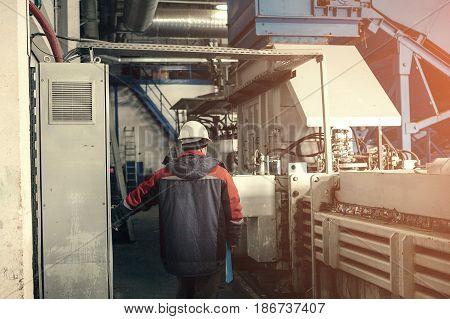 Waste processing plant. Technological process. Business for sorting and processing of waste.
