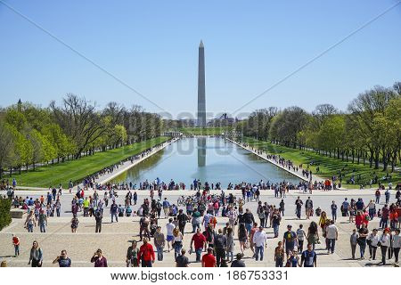 Washington sightseeing - The Reflecting Pool at Lincoln Memorial - WASHINGTON DC - COLUMBIA