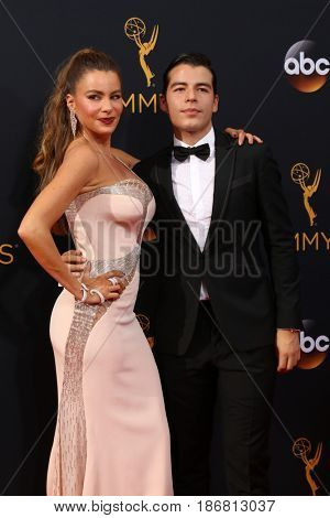 LOS ANGELES - SEP 18:  Sofia Vergara, Manolo Gonzalez-Ripoll Vergara at the 2016 Primetime Emmy Awards - Arrivals at the Microsoft Theater on September 18, 2016 in Los Angeles, CA
