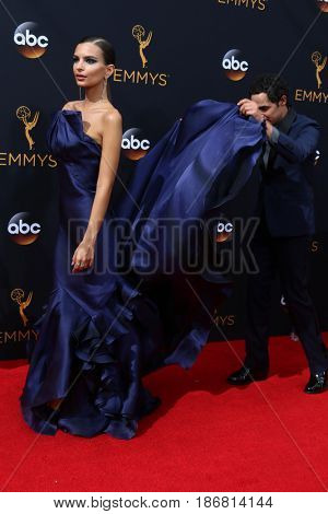 LOS ANGELES - SEP 18:  Emily Ratajkowski, Zac Posen at the 2016 Primetime Emmy Awards - Arrivals at the Microsoft Theater on September 18, 2016 in Los Angeles, CA