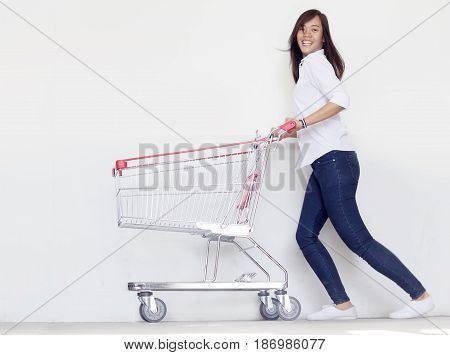 Asian Girl Love Shopping