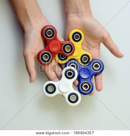 Four colored Hand spinner fidgeting hand toy