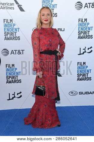 LOS ANGELES - FEB 23:  Annie Starke arrives for the 2019 Film Independent Spirit Awards on February 23, 2019 in Santa Monica, CA