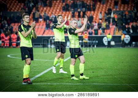 VALENCIA, SPAIN - FEBRUARY 21: Celtic players during UEFA Europa League match between Valencia CF and Celtic FC at Mestalla Stadium on February 21, 2019 in Valencia, Spain