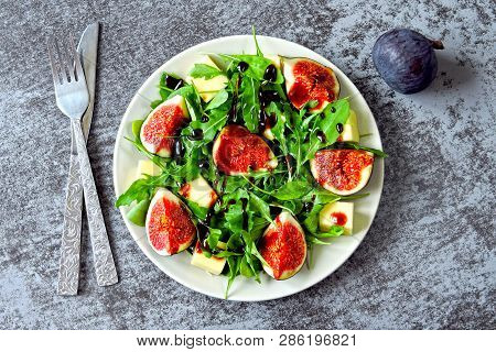 Fig Salad With Arugula And White Cheese. Healthy Salad With Figs And Cheese. Keto Lunch Idea. Keto D