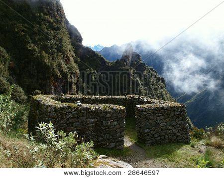 Stone hut along the Inca trail