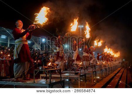 Tribeni Ghat, Rishikesh, Uttarakhand, India - October 29 2018 : Famous Ganga Aaarti On The Banks, Pr