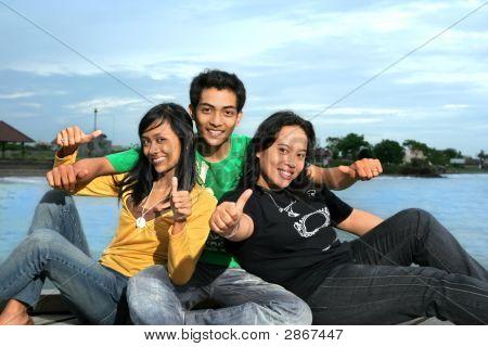 drei Völker mit Tumb bis