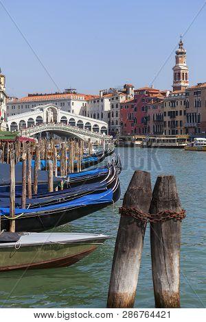Venice, Italy - September 22, 2017: Grand Canal, Rialto Bridge (ponte De Rialto). Canal Grande Is On