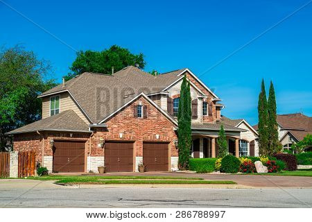 Luxurious Homes And Houses In Suburb Neighborhood In Austin Texas Usa