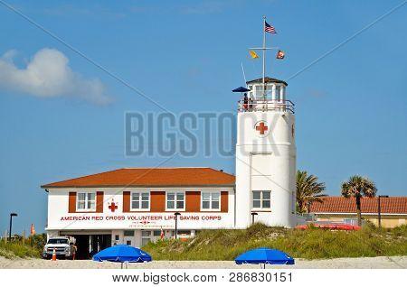 Jacksonville Beach, Florida / Usa - April 17, 2012: American Red Cross Volunteer Life Saving Corps L