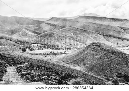 The Kerskop Or Eselbank Pass In The Cederberg Mountains Of The Western Cape Province. Wupperthal Is
