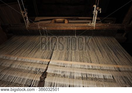 A Loom For Weaving Cloth And Tapestry, Fashion And Design