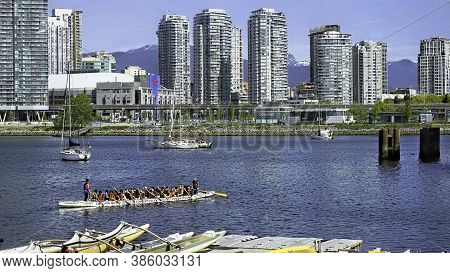 Vancouver, Canada 5-7-2019   A View Of Dwontown  Vancover, Canada At The Waterway. Showing In Forgro