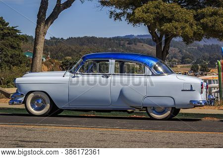 Half Moon Bay, Usa - September 05, 2015: Classic 1950s Chevrolet Fleetline Deluxe Car In Two-tone Bl