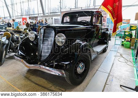 Russia, Moscow, March 8, 2020. Exhibition Of Vintage Cars. Old Soviet Limousine.