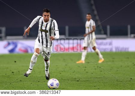 Torino, Italy. 20th September 2020. Italian Serie A.  Rodrigo Bentancur  Of Juventus Fc In Action Du