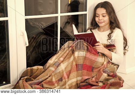 Little Girl Reading Christmas Story. Best Christmas Book. Books Shop Commercial. Little Smiling Chil