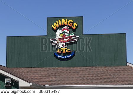 Indianapolis - Circa September 2020: Wings Etc. Chain Restaurant Known In The Midwest For Chicken Wi