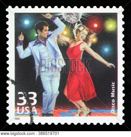 United States - Circa 1999: A Postage Stamp Printed In Usa Showing An Image Of A Couple Dancing Disc