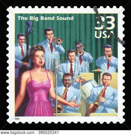 United States - Circa 1999: A Postage Stamp Printed In Usa Showing An Image Of A Forties Era Big Ban