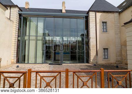 Noirmoutier , Vendee / France - 04 15 2020 : L Hôtel Jacobsen Centre Des Patrimoines Maritimes Means