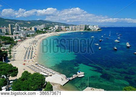 Magaluf Beach And Bay, Calvia, Mallorca, Mediterranean Sea, Balearic Islands, Spain.