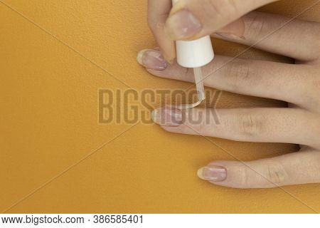 Colorless Nail Polish That Exfoliate