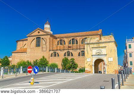 Porta Santa Maria O Porta Garibaldi Gate And Cathedral Santa Maria Assunta Duomo Catholic Church In