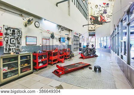 Kanchanaburi, Thailand -june 30, 2020 : Yamaha Motorcycle Repair Service Area At Yamaha Motorcycle S