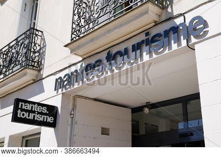 Nantes , Loire Atlantique / France - 09 20 2020 : Nantes Office De Tourisme French Tourism Office Lo