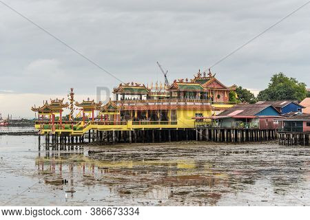 George Town, Penang, Malaysia - December 1, 2019: Lee Clan Jetty View During Low Tide And Cloudy Wea