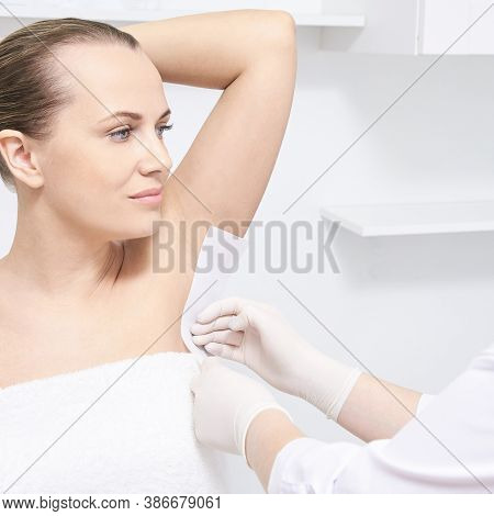 Hot Hair Removal Depilation. Female Skin Routine. Sugar Bodycare. Wax Correction. Professional Cosme