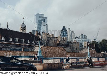 London, Uk - August 25, 2020: Skyscrapers Of City Of London Seen Over The Tower Of London, On A Sunn