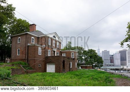 Nyc/usa - August 7 2020: Old And Abandoned Building Of Governor In Governors Island.