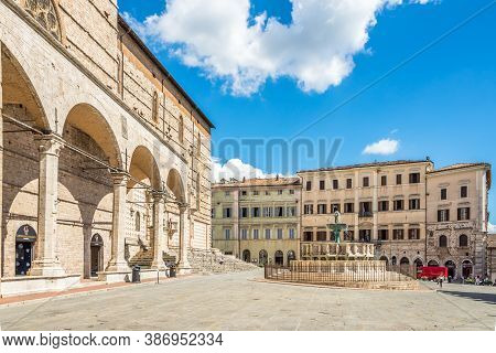 Perugia,italy - September 3,2020 - View At The Iv.november Place With Cathedral Of San Lorenzo And M