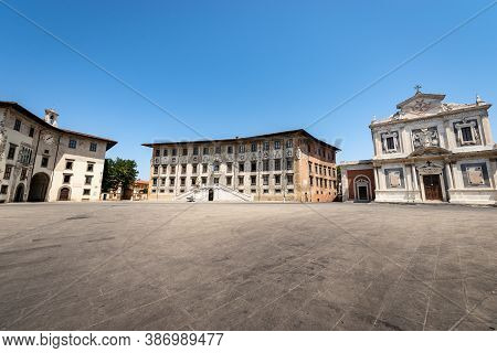 Pisa, Square Of The Knights (piazza Dei Cavalieri) With The Building Of The University (palazzo Dell