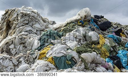 Recycling Garbage, Garbage Sorting, Waste Sorting Plant