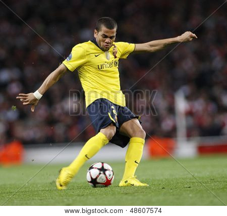 LONDON, ENGLAND. 31/03/2010. Barcelona player Dani Alves in action during the  UEFA Champions League quarter-final between Arsenal and Barcelona at the Emirates Stadium