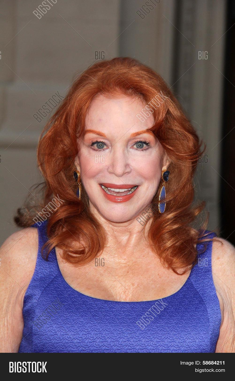 Frank Chiesurin,Elisabeth Sladen (1946?011) Adult clips Barbra Streisand,Roxie Roker