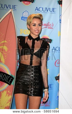 Miley Cyrus at the 2013 Teen Choice Awards Press Room, Gibson Amphitheatre, Universal City, CA 08-11-13