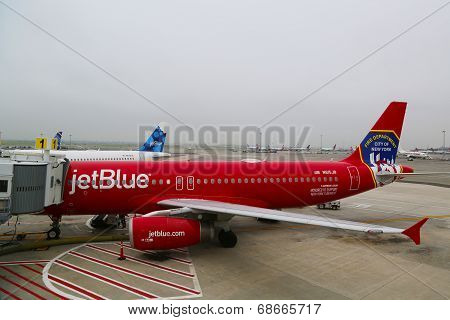 JetBlue Airbus A320 Honoring the brave men and women Fire Department City of NY at the gate