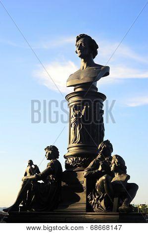 Ernst Friedrich August Rietschel Statue