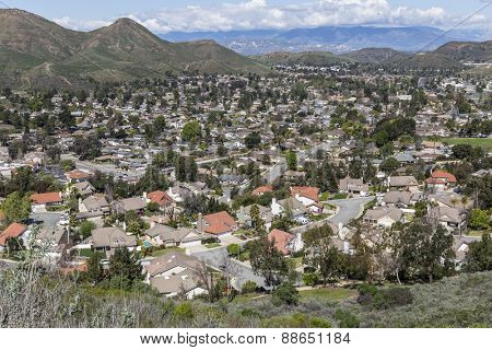 Suburban Newbury Park homes and hills near Los Angeles in Southern California.